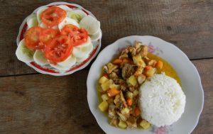 Essen Reis Suppe Salat